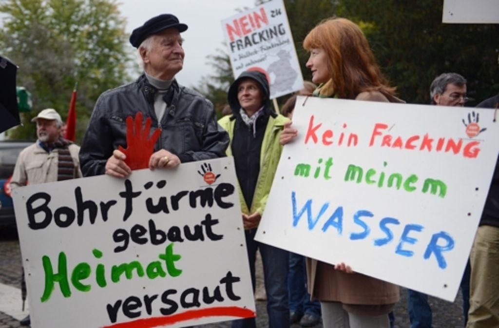 Die Proteste gegen die Gas- oder Ölgewinnung durch Fracking nehmen zu. Foto: dpa