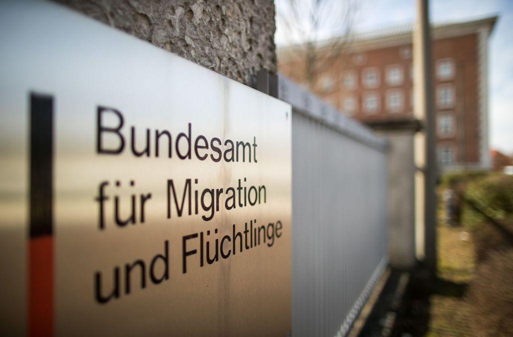 Rund 70 Bamf-Mitarbeiter soll die Asylanträger aus Bremen bearbeiten. (Symbolbild) Foto: dpa