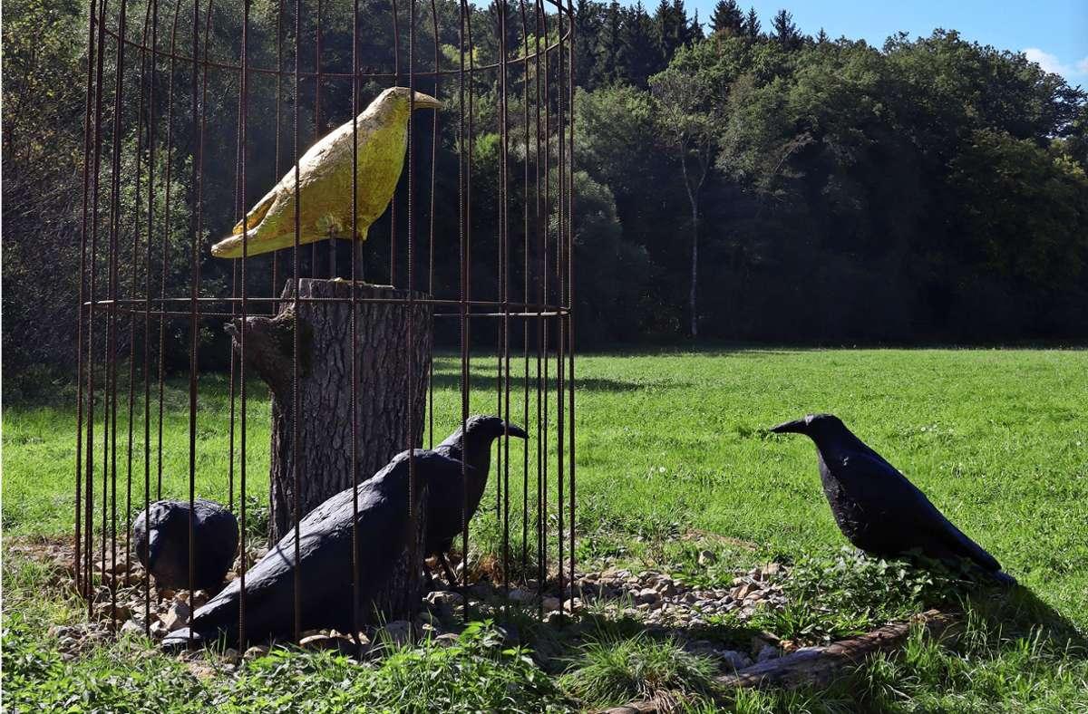 """Die landschaftlichen Schönheiten des Museumsradwegs werden  durch wechselnde Kunstwerke der Freiluft-Ausstellung """"Sculptoura"""" ergänzt. Foto: Claudia Barner"""