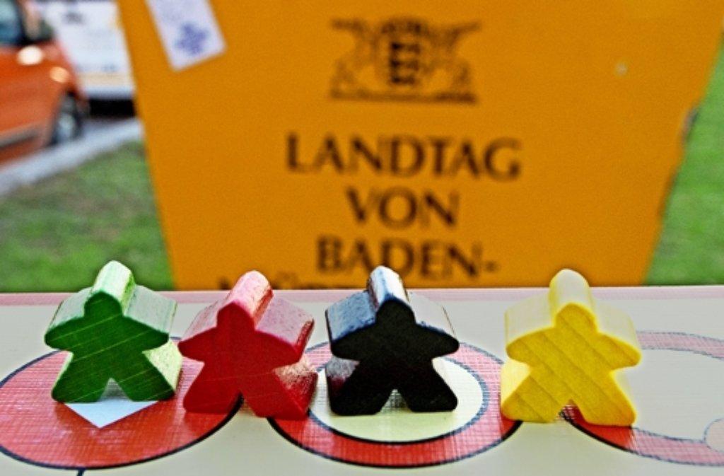 Wie sich die Farben künftig im Landtag verteilen –  darüber entscheiden die Bürger am 13. März. Foto: dpa, factum/Granville (5)