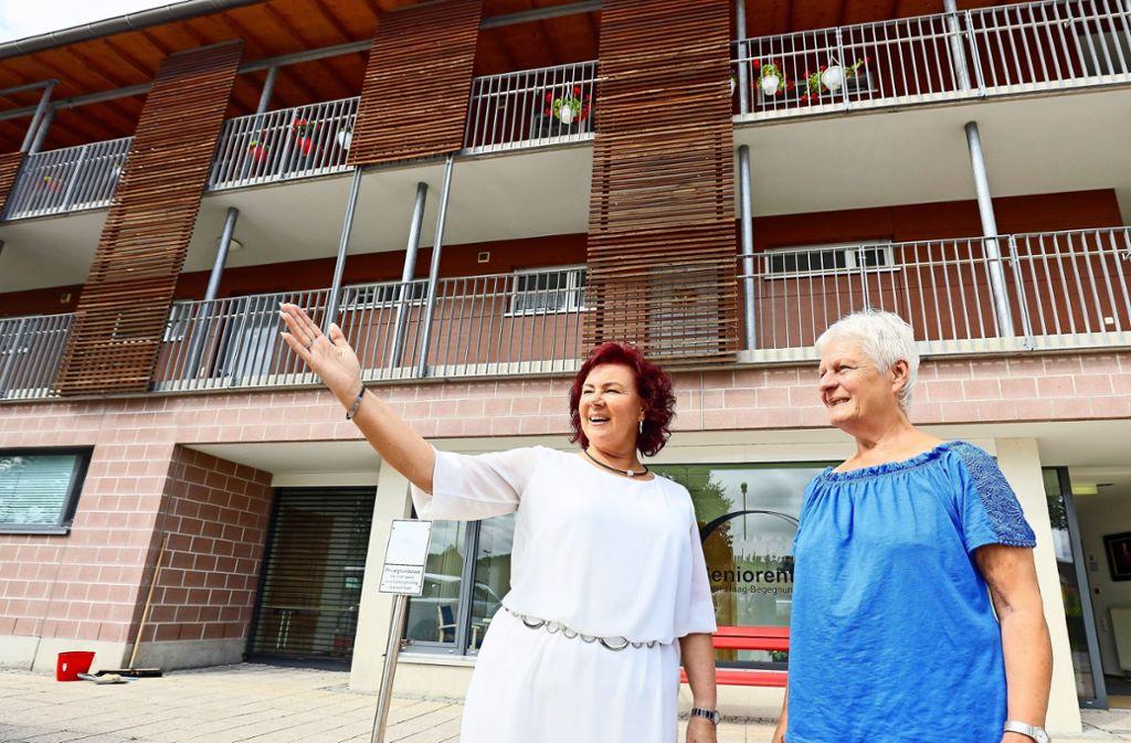 Isolde Reinert (l.) übernimmt von Gudrun Lieb die Fachstelle für ehrenamtliches Engagement in Weil der Stadt. Foto: factum/
