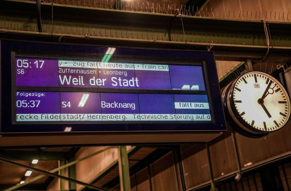 Die S-Bahnen in der Region Stuttgart sollen während des Streiks im Stundentakt fahren. Foto: SDMG/ Kohls