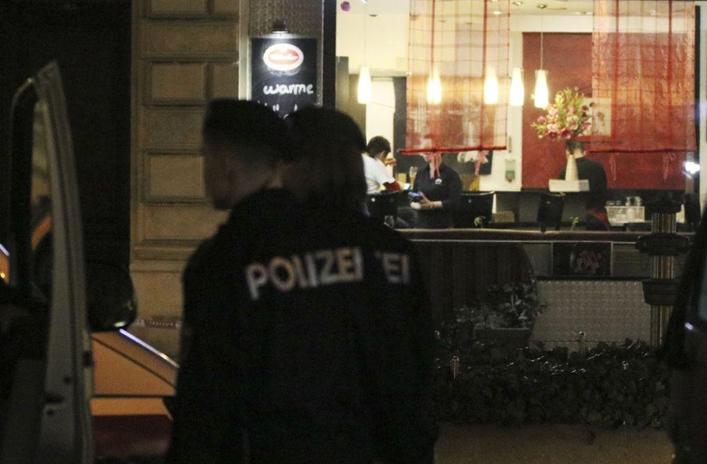 Vor einem japanischen Lokal in Wien wurde die Familie mit einem Messer angegriffen. Foto: AP