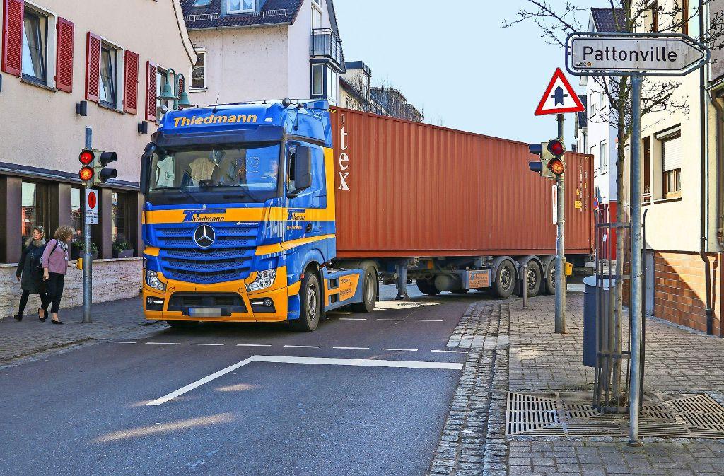 Große Laster sollen  einen Bogen um die  Aldinger Ortsmitte machen. Foto: factum/Granville