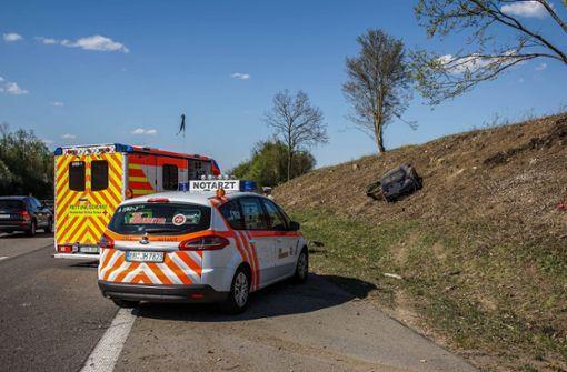 Mehrere Verletzte nach riskantem Manöver auf der A81