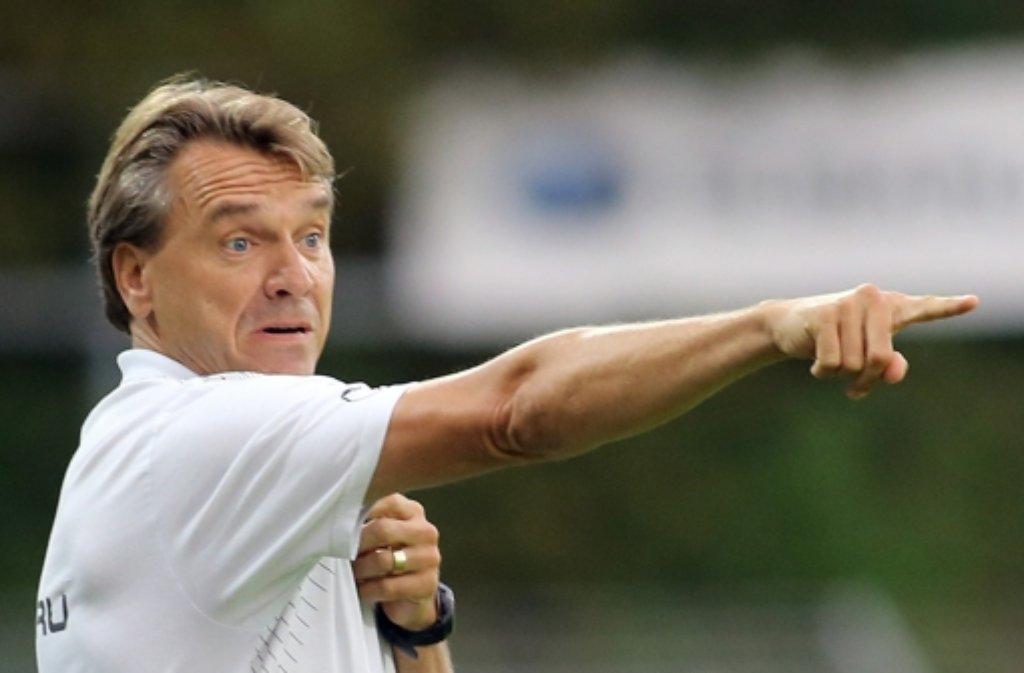 Besser machen, lautet die Devise des Kickers-Trainers Horst Steffen. Foto: Baumann