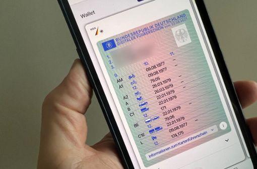 Fahrerlaubnis kann jetzt auf das Smartphone geladen werden