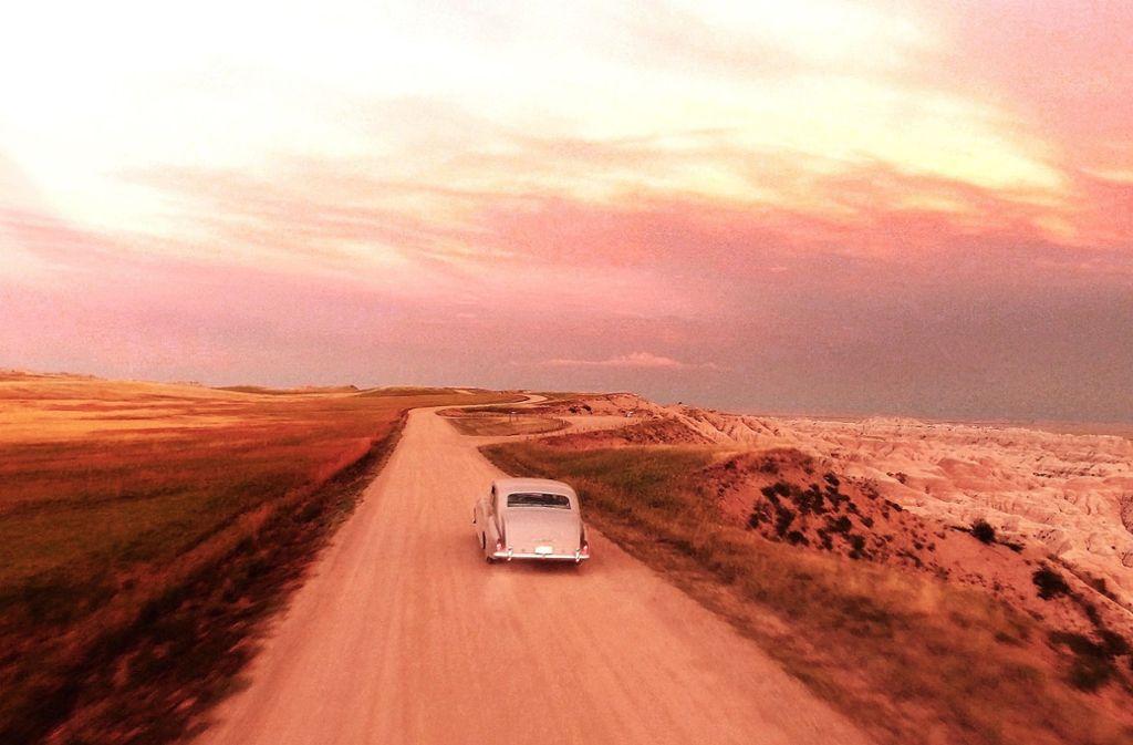 "Mit dem Rolls Royce auf dem Weg nach Hollywood: Szene aus ""The King"" Foto: Verleih"