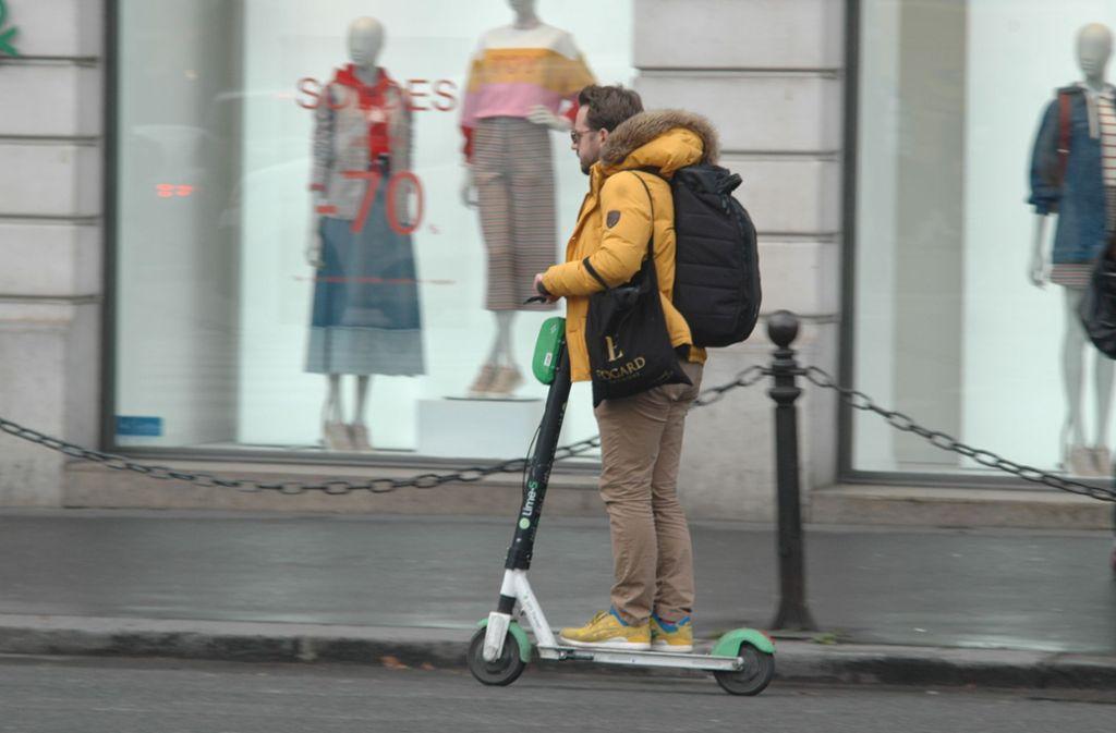 Nicht alle in Paris finden E-Scooter gut. (Symbolbild) Foto: STZN/Knut Krohn