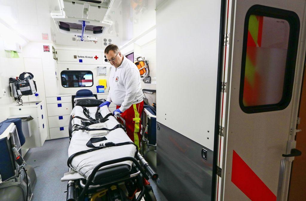 Das wünscht sich keiner: dass er ins Krankenhaus gefahren werden muss. Doch wenn es passiert, entstehen Kosten. Foto: factum/Granville
