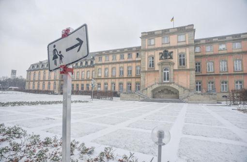 Kretschmann schließt das Neue Schloss auf