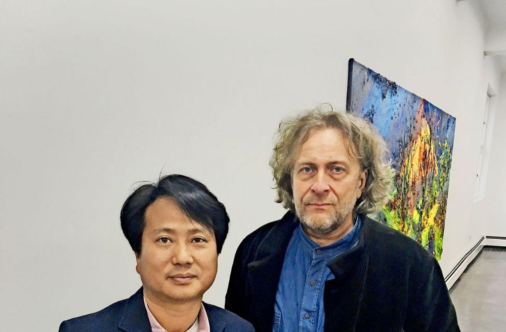 Jong-Taek Woo aus Seoul und Harry Meyer aus Augsburg sprechen nicht dieselbe Sprache, ihre Werke  aber schon. Foto: StZ