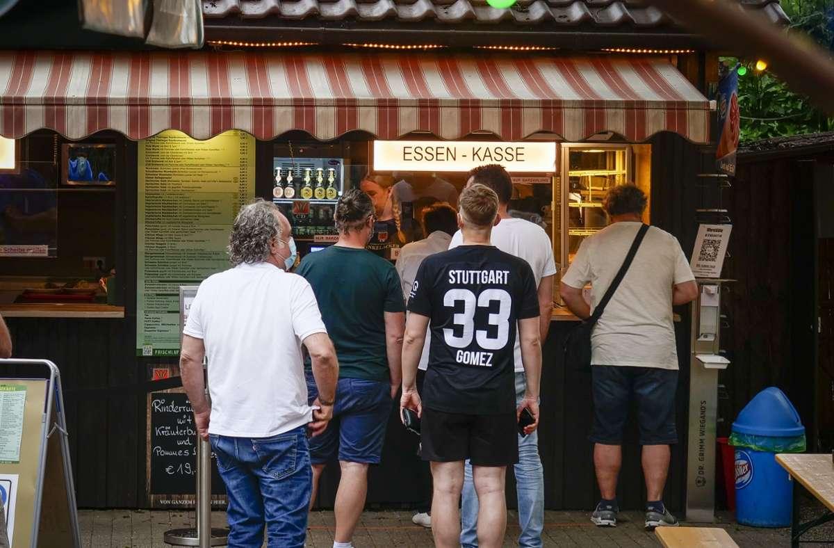 Im Ludwigsburger Uferstüble dürfen bis zu 600 Leute das Deutschlandspiel schauen. Foto: Simon Granville