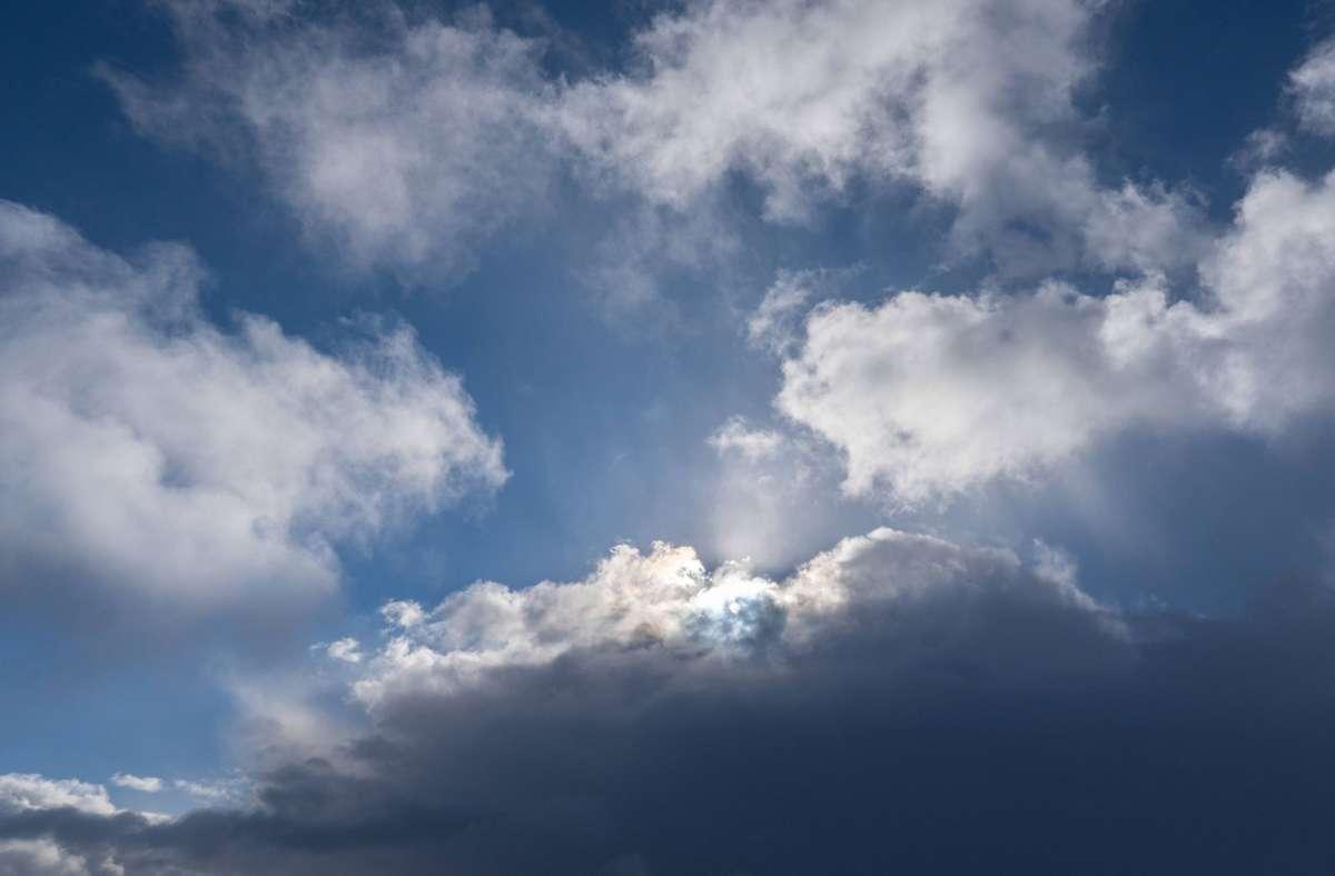 Mit der Sonne soll es ab Sonntag erst einmal vorbei sein. (Symbolbild) Foto: imago images/Michael Kristen