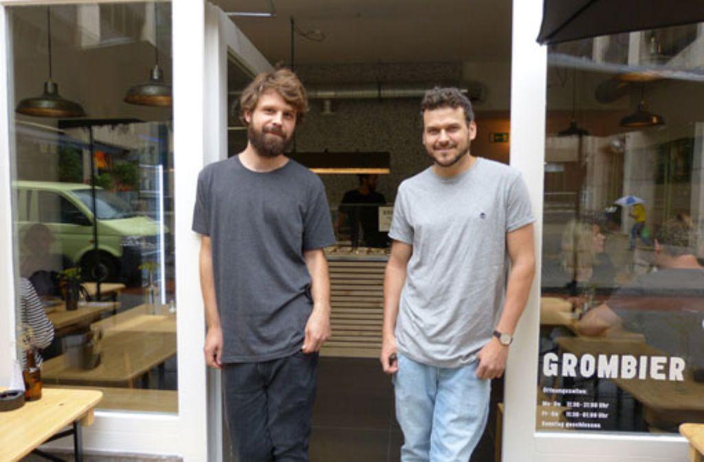 Anfang August haben Jens Spöri (links) und Florian Zschoche mit ihrem Team das Grombier eröffnet.  Foto: Martin Elbert