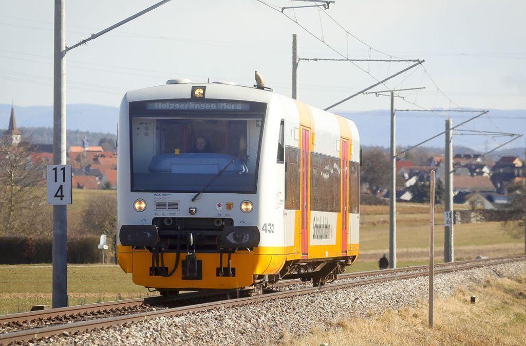Seit 24. Februar fährt die Bahn wieder, aber nur auf einem Teilstück der Strecke. Foto: factum/Granville