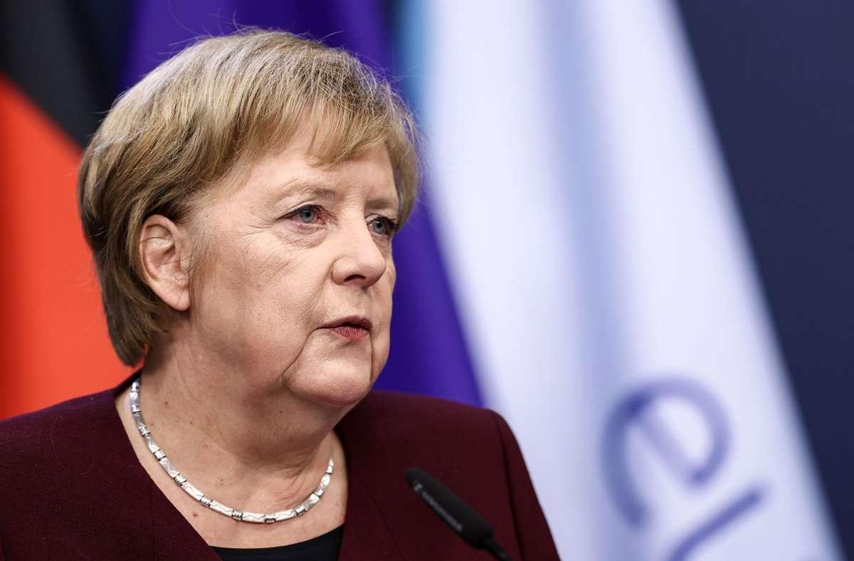 Angela Merkel hat wegen weiter steigender Corona-Infektionszahlen in Deutschland erneut einen Appell an die Bürger gerichtet. Foto: AFP/KENZO TRIBOUILLARD