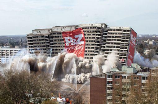 Wohnblock in Duisburg gesprengt