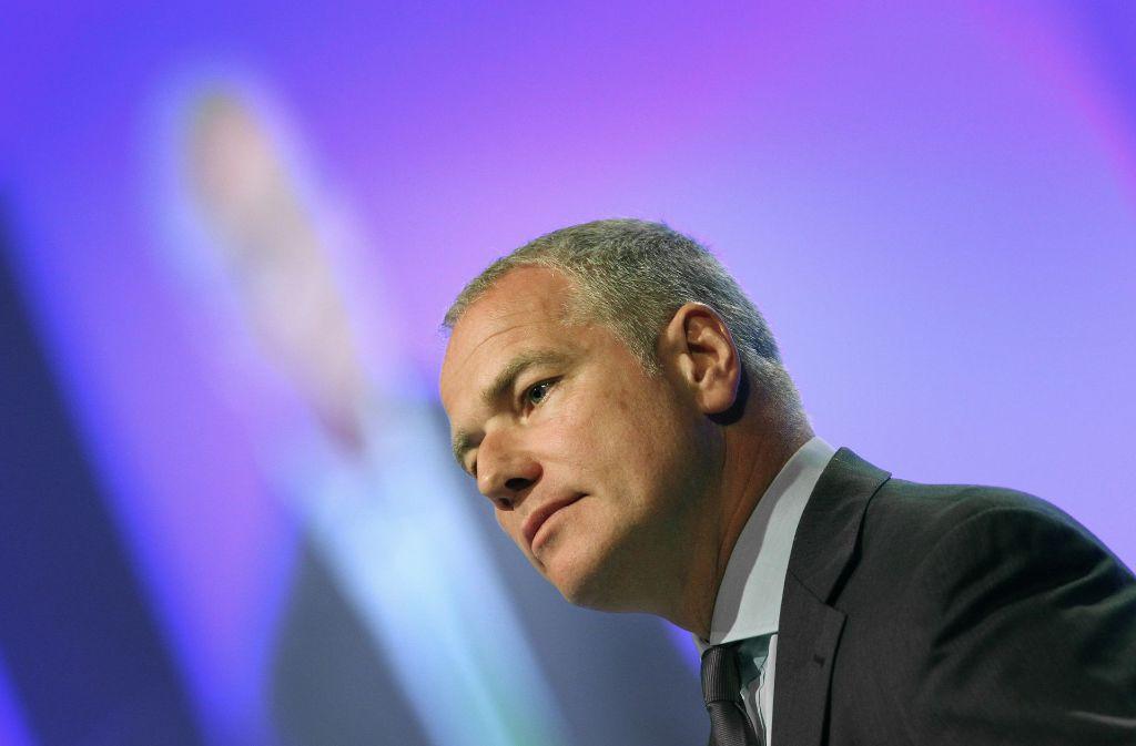 Die Hauptversammlung hat Carsten Kengeter nach der gescheiterten Fusion überstanden, aber dann? Foto: AFP