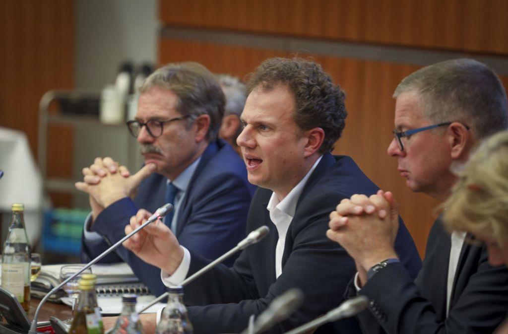 Die Ludwigsburger Verwaltungsspitze um OB Matthias Knecht (Mitte) muss mit einer schwierigen Haushaltslage umgehen. Foto: factum/Simon Granville
