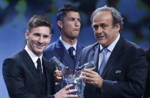 Lionel Messi holt den Titel