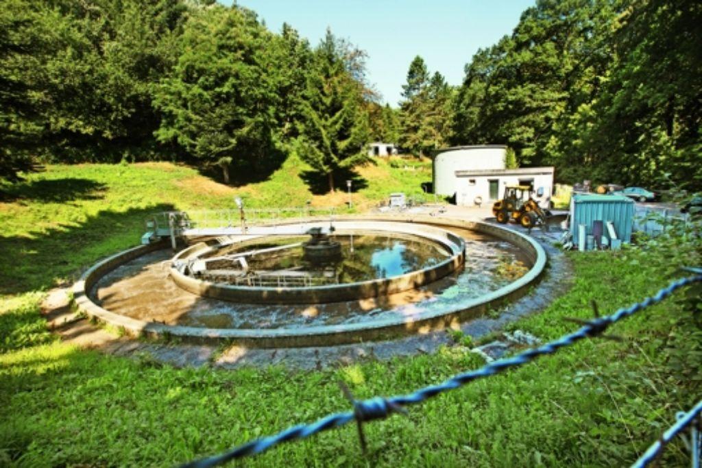 Die Adelberger Kläranlage wird dem Schmutzwasser nicht mehr Herr und müsste für viel Geld saniert werden.Stattdessen  nimmt die Gemeinde sie vom Netz. Foto: Ines Rudel