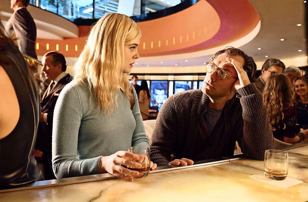 """Das Show-Geschäft ist schmierig: Elle Fanning und Jude Law in """"A rainy Day in New York"""" Foto: Gravier Productions//Jessica Miglio"""