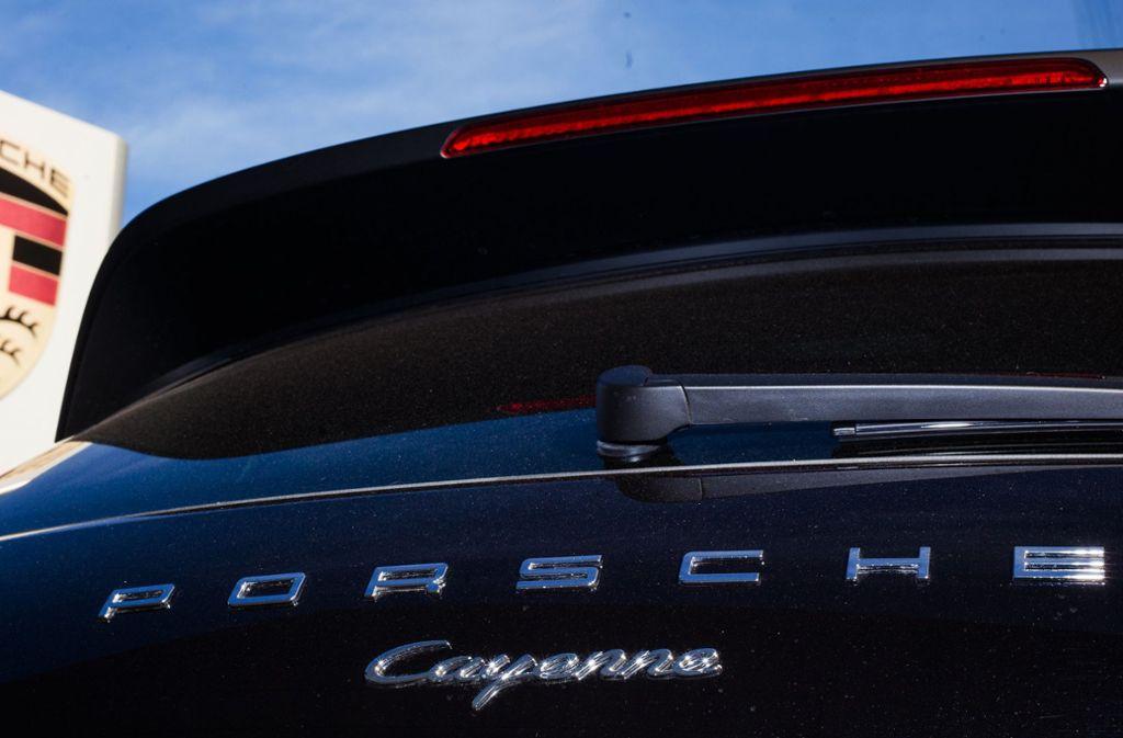 An dem gestohlenen Porsche war ein Böblinger Kennzeichen angebracht. (Symbolfoto) Foto: dpa/Christoph Schmidt