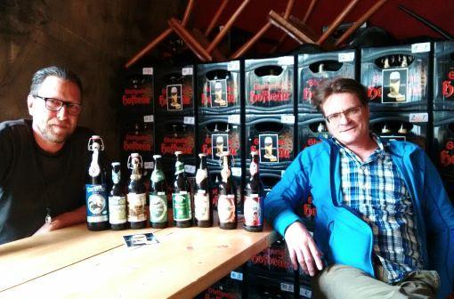 Martin Arnold und Heribert Meiers: Seit 17 Jahren unterwegs im Auftrag des Bieres. Foto: Björn Spingorum