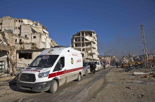 Erste Verletzte und Zivilisten verlassen Ost-Aleppo