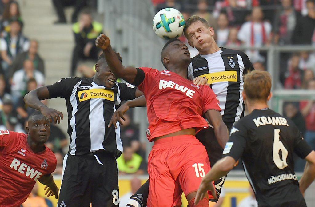 Die Kölner unterliegen gegen den Erzrivalen Borussia Mönchengladbach Foto: dpa
