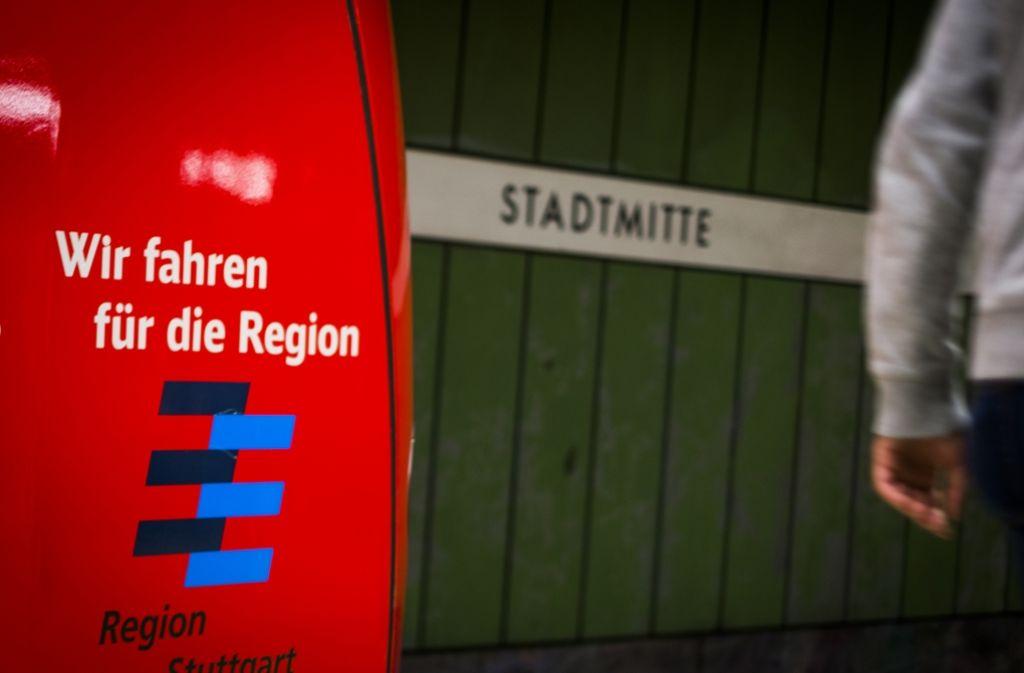 Die Stammstrecke, zu der auch der Halt Stadtmitte gehört, ist seit Jahren überlastet. Foto: Lichtgut/Max Kovalenko