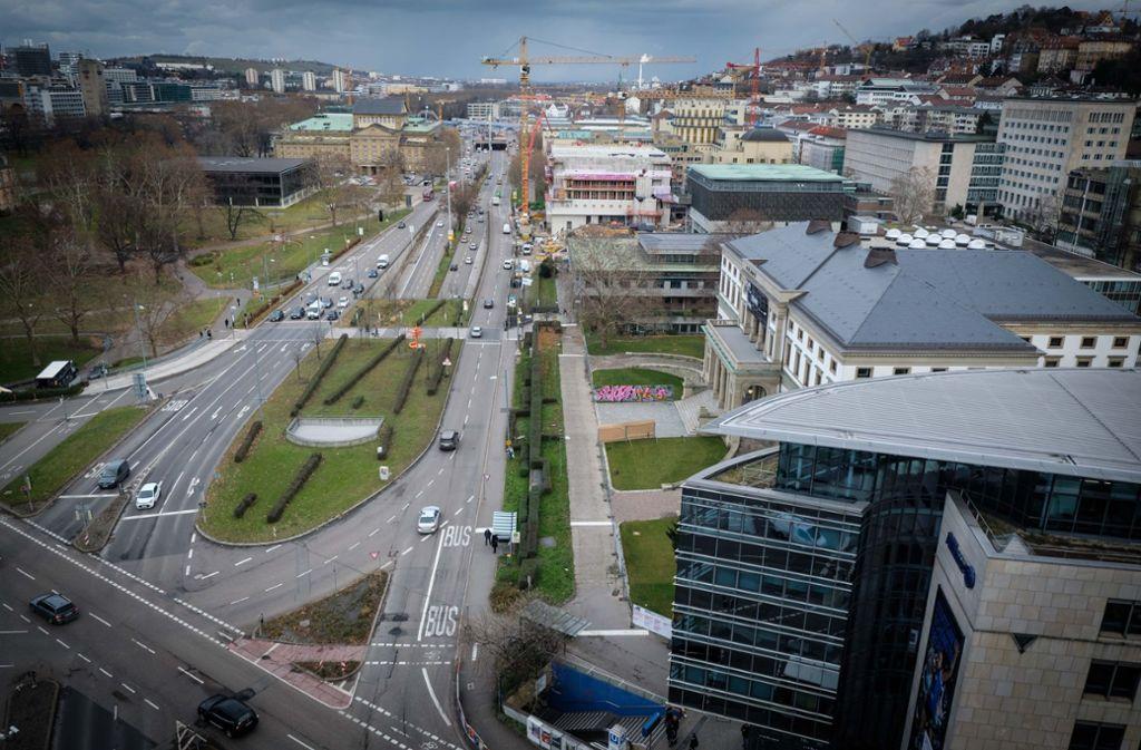 Die SPD kann sich eine teilweise Bebauung des Akademiegartens (links oben) zum Charlottenplatz hin vorstellen. Foto: Lichtgut/Achim Zweygarth