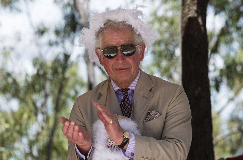 Da muss man schon zweimal hinschauen: Prinz Charles bei einer australischen Willkommenszeremonie in Gove. Foto: Getty Images AsiaPac