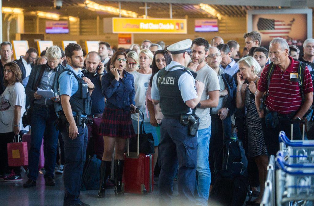 Wegen eines Sicherheitsvorfalls ist ein Terminal im Frankfurter Flughafen geräumt worden. Foto: dpa