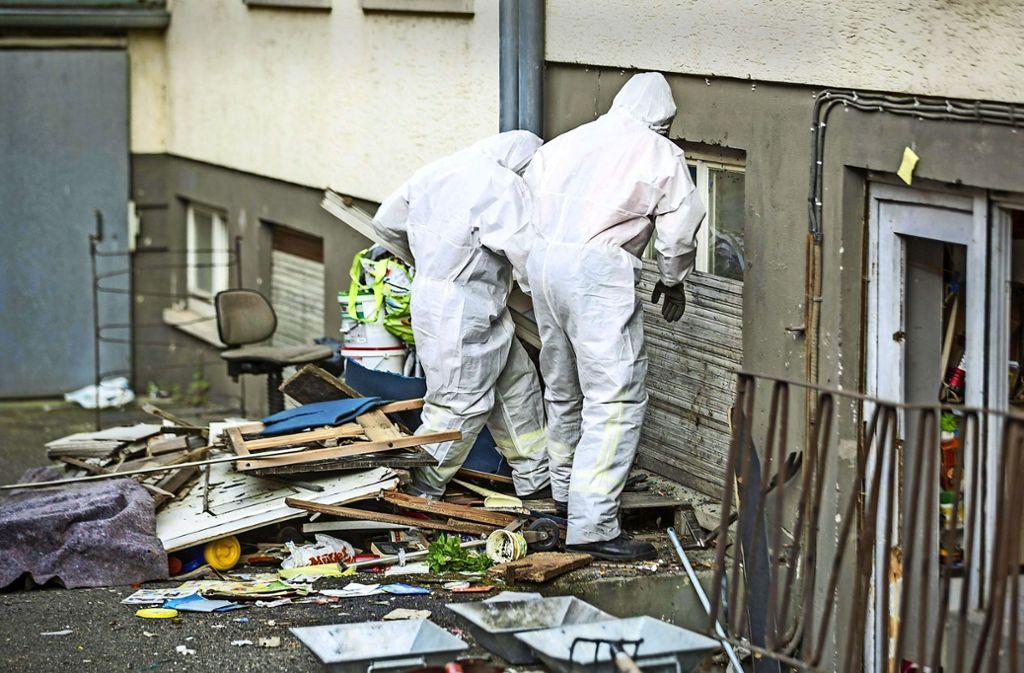 Polizei räumt Mülldepot Foto: 7aktuell
