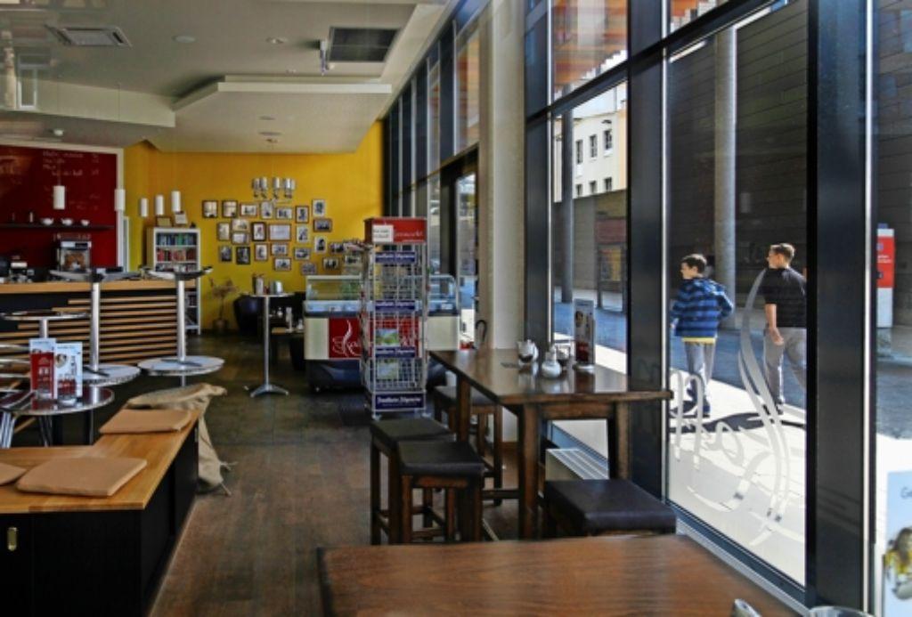 Seit Juli geschlossen: der   Betreiber des Kaffeemarktes am Westportal ist pleite, einen Nachfolger gibt es noch nicht. Foto: factum/Granville