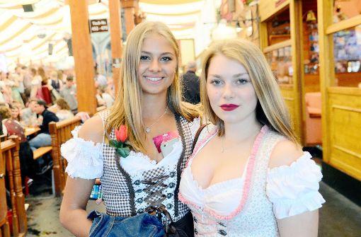 Party-Meute feiert im Grandls-Festzelt