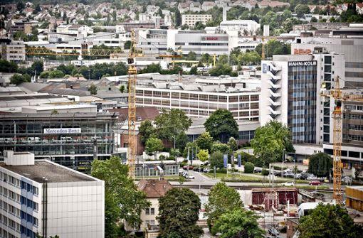 Daimler vertagt Neubau an der Automeile