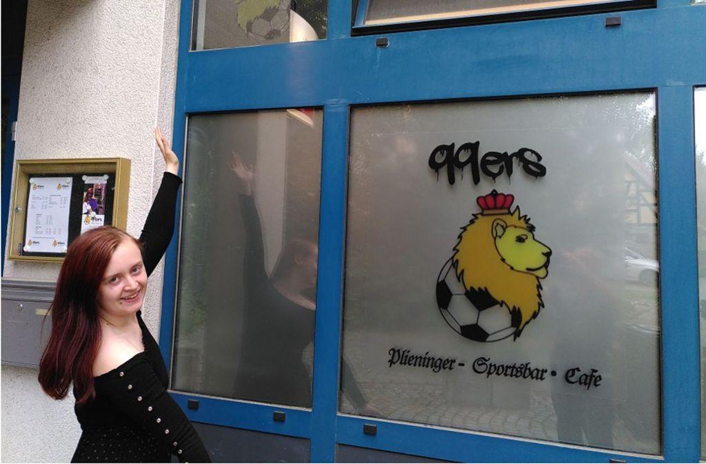 Lara Geis öffnet am Samstag die Türen der neuen 99ers Sportsbar. Ursprünglich sollte die Kneipe bereits im März eröffnen – dann kam das Coronavirus. Foto: privat