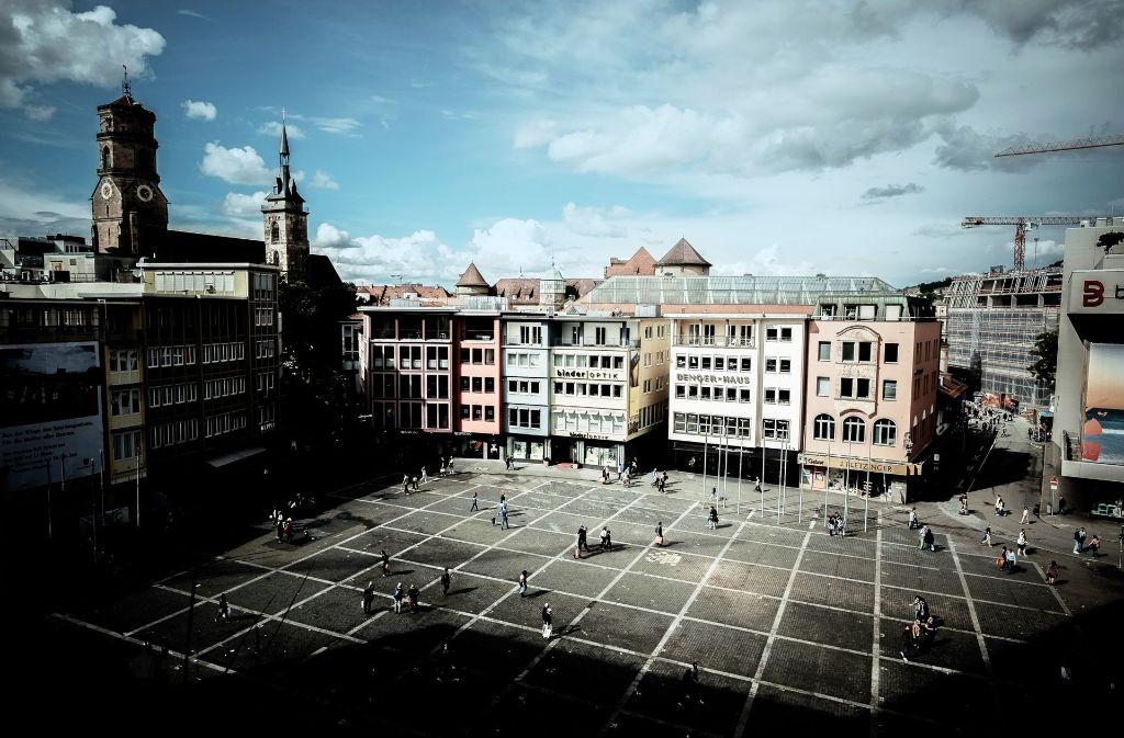 Laut der Experten besteht die höchste Hochwassergefahr bei heftigem Platzregen  in Stuttgart auf dem Marktplatz Foto: Lg/Leif Piechowski