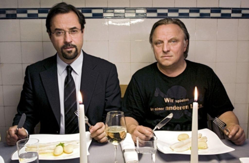 Mahlzeit – auch wenn nicht jeder ein Spargeltyp ist (von links): Jan Josef Liefers als Professor Karl-Friedrich Boerne und Axel Prahl  als Frank Thiel. Foto: WDR