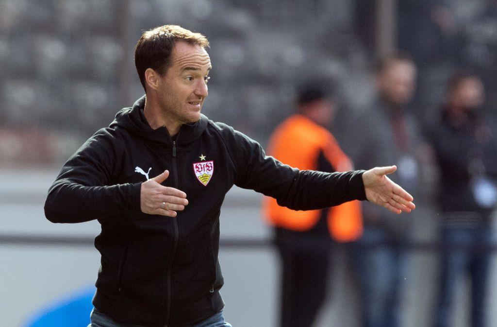 Trainer Nico Willig und seine U19 verpassen die Tabellenführung. Foto: picture alliance/dpa/Soeren Stache