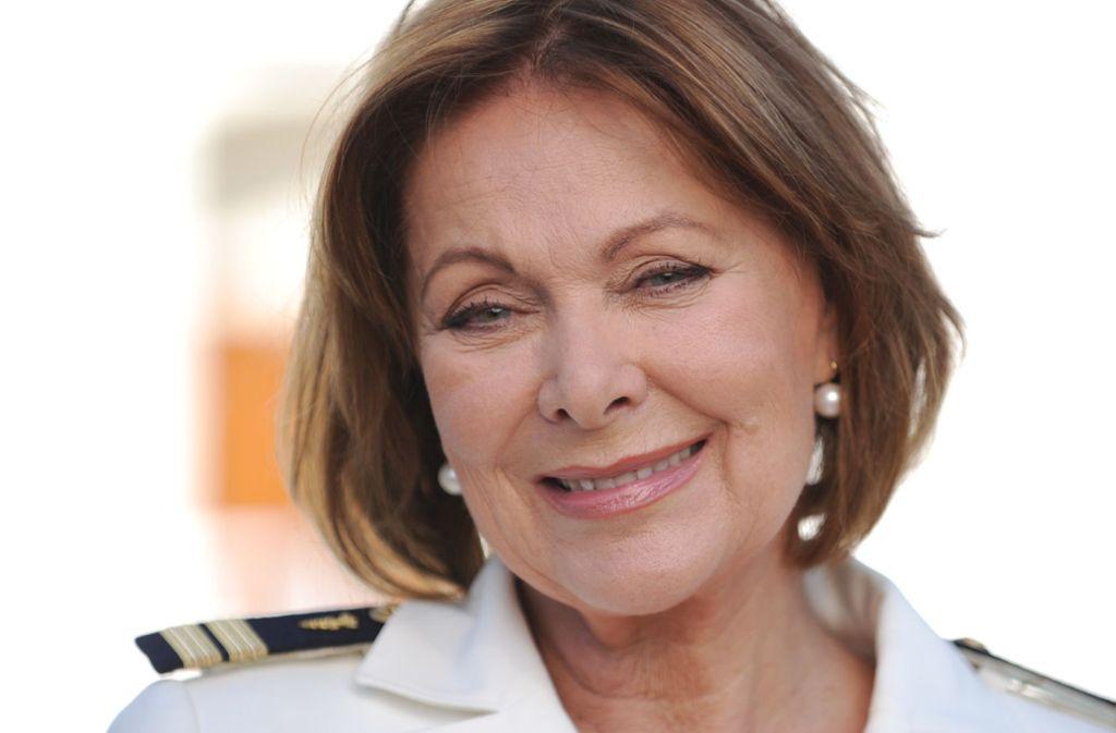 """Heide Keller spielte über Jahre die Rolle der Chefhostess Beatrice auf dem """"Traumschiff"""". Foto: dpa"""