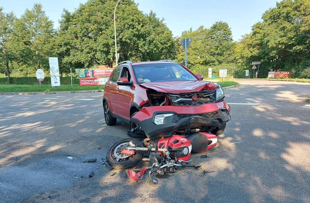 Der Motorradfahrer wurde schwer verletzt. Foto: 7aktuell.de/ Hessenauer/7aktuell.de | Hessenauer