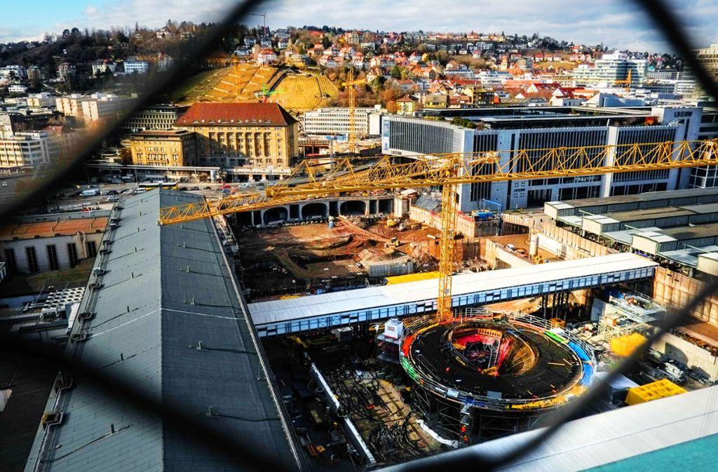 Die Struktur des neuen Tiefbahnhofs  wird sichtbar. Foto: Lichtgut/Max Kovalenko