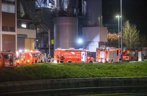 Gefahrstoff erhitzt sich in Klärwerk – Feuerwehr rückt aus