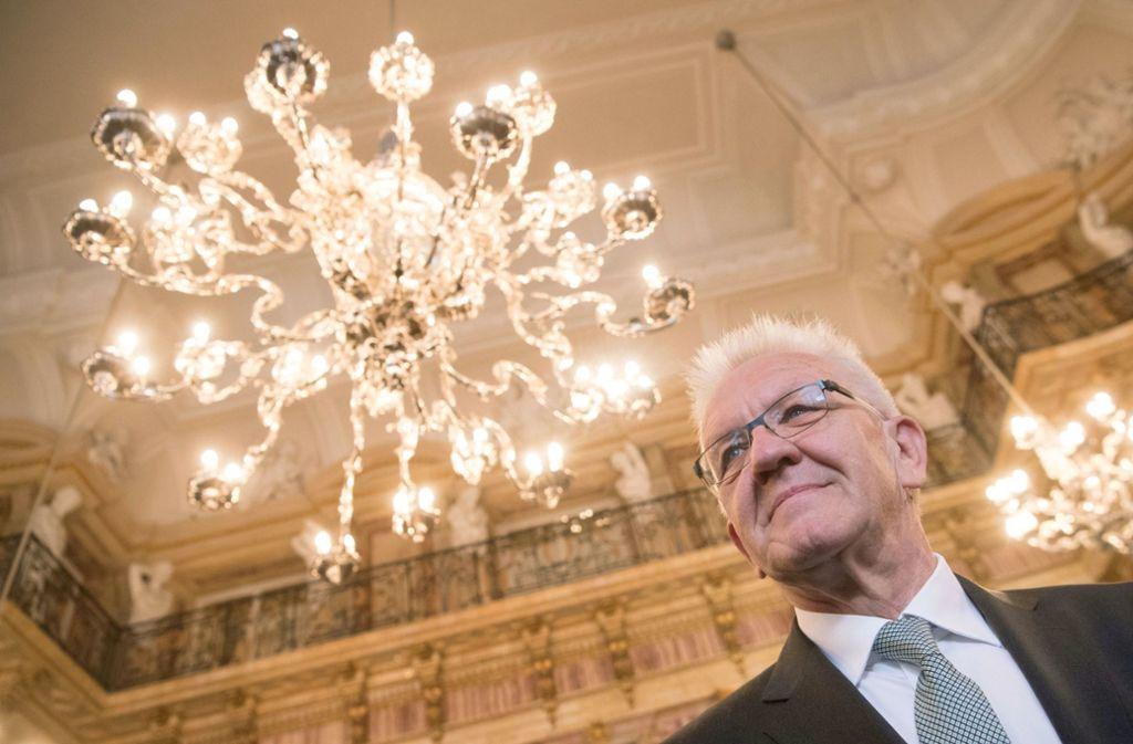 Winfried Kretschmann traut der deutschen Nationalmannschaft Großes zu. Foto: dpa
