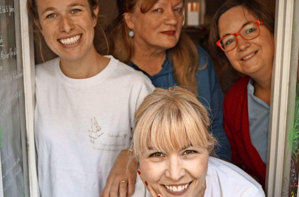 """Die Macherinnen im """"Lehni"""": vorne Tanja Lutz, hinten von links Nora Gastauer, Annelies Fink und Maike Tschirner Foto: Fritzsche"""