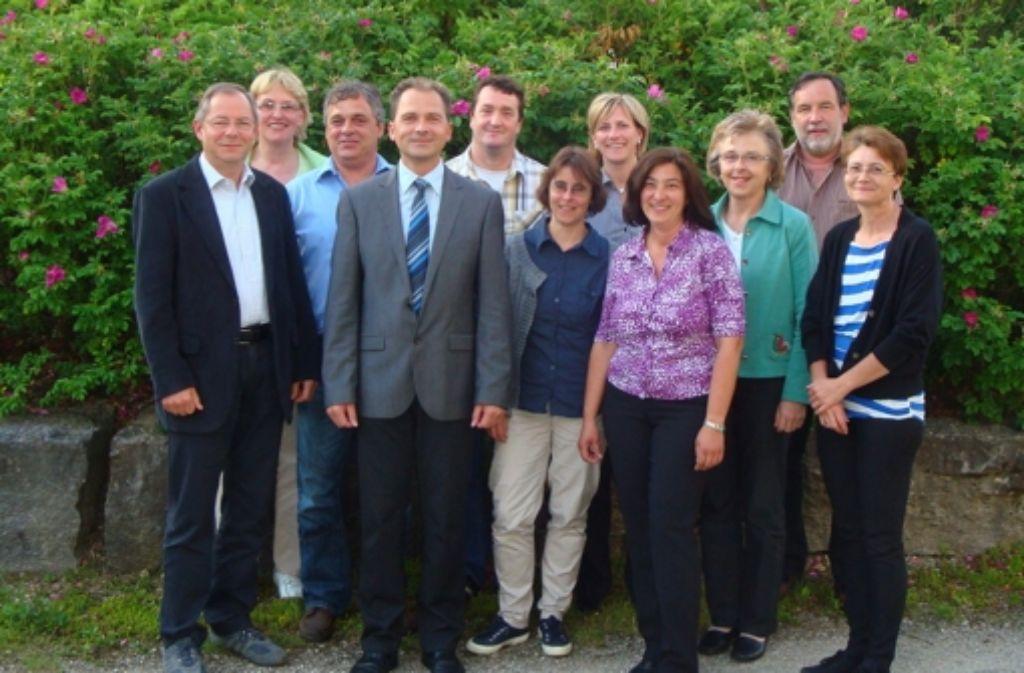 Der Birenbacher Bürgermeister Frank Ansorge (vierter von links) hat sechs Frauen und nur vier Männer in seinem Gemeinderat. Das ist Frauenrekord in der Region und sogar im ganzen Land. Baltmannsweiler kann davon nur träumen. Foto: Gemeinde Birenbach